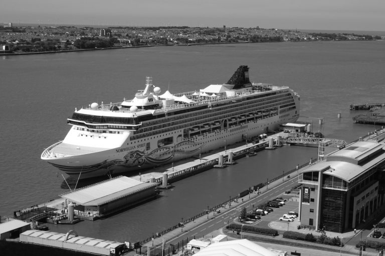 Cruise ship tours in Liverpool